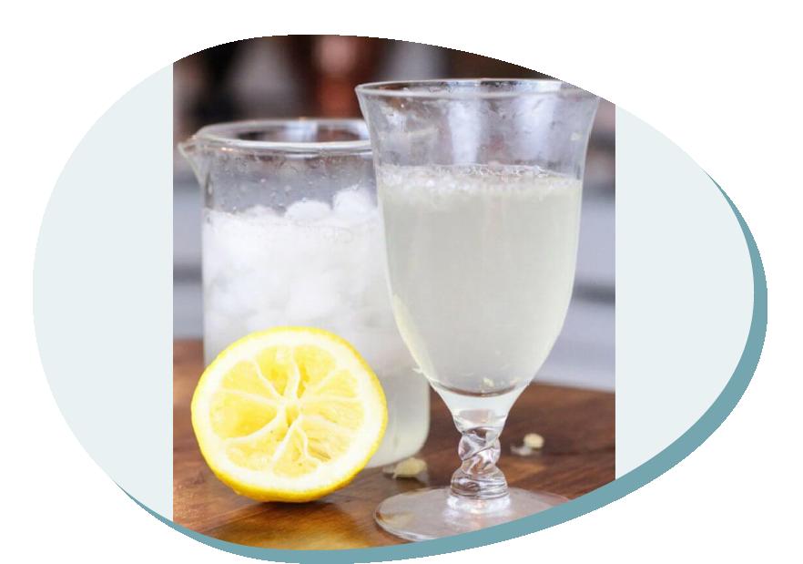 Fizzy lemonade with baking soda